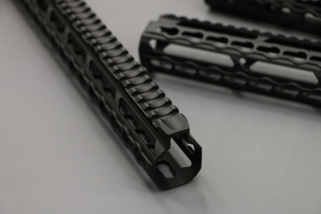 V Seven Magnesium Hyper-Light AR-15 Handguards | Jerking the