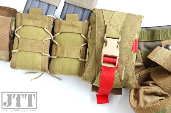 OSOE Compact Tear Off Med Pouch Vert Mounted