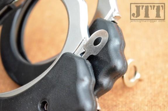 Vigilant Gear Micro SERE Kit Handcuff Shim