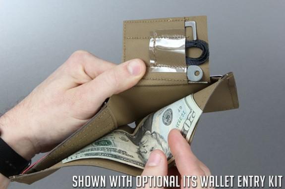its-hypalon-concealment-wallet-8-3-700x466